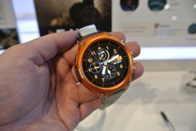 wsd f10 outdoor smartwatch mit langer laufzeit von casio. Black Bedroom Furniture Sets. Home Design Ideas