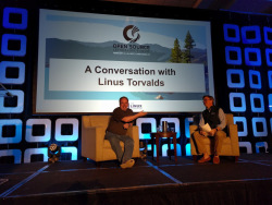 Jim Zemlin von der Linux Foundation im Gespräch mit Linus Torvalds.