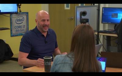 Intels Presseabteilung verbreitet Informationen über die Beschriftung von Kaffeebechern.